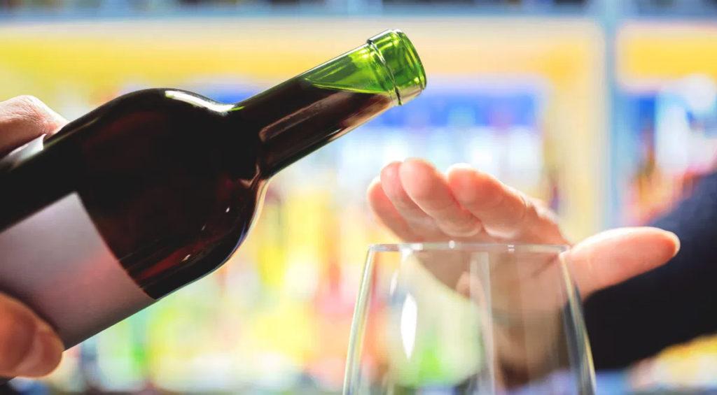 Как выводить алкоголика из длительного алкогольного запоя: методы помощи алкогольнозависимому человеку